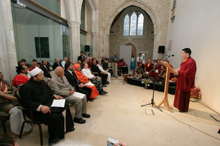 Karmapa London 2005 interfaith Event (photo copyright Thule G. Jug)