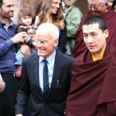 Lama Ole Nydahl and H.H. Karmapa leave the Beaufoy