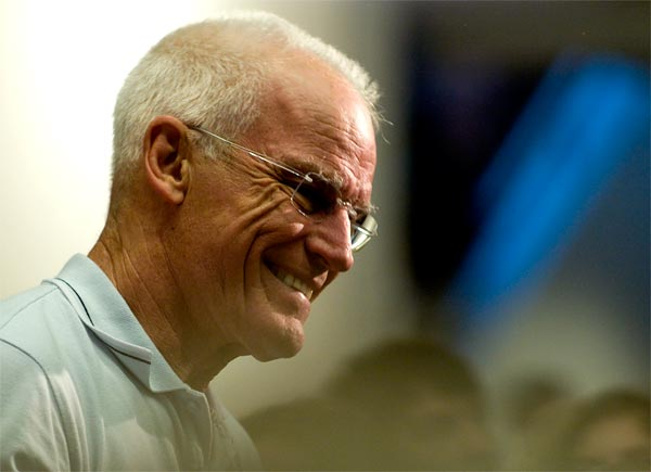Lama Ole Nydahl teaching in 2009 (Photo: JR Petersen)